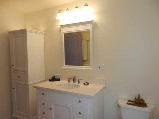 Eugene bathroom remodeling with new vanity and cabinets