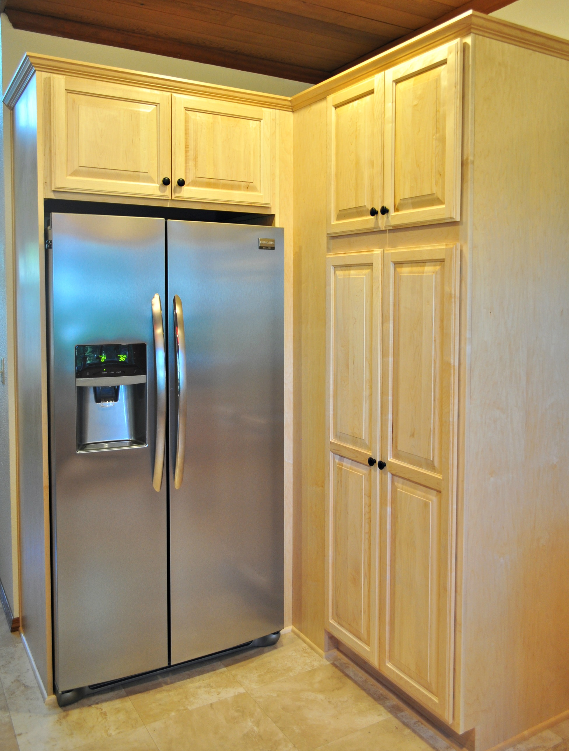 Eugene Kitchen Remodeler with new refrigerator